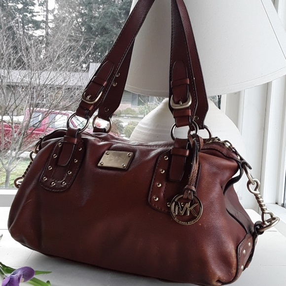 50e168da3758f1 MICHAEL KORS B-0907 LEATHER PURSE MK LOGO SHOULDER.  M_5c6d8de803087c987db96cdc